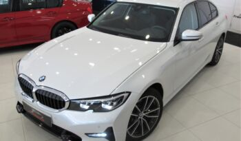 Bmw 320dA Sport shadow line!! Full led, nav pro, cockpit profesional!! Impecable estado!! lleno