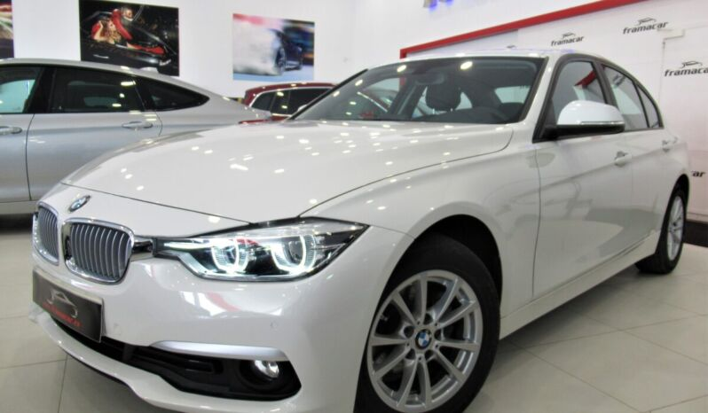 Bmw 318d bussines sedan 150CV!! Full led, nav, pdc!! Impecable estado!!