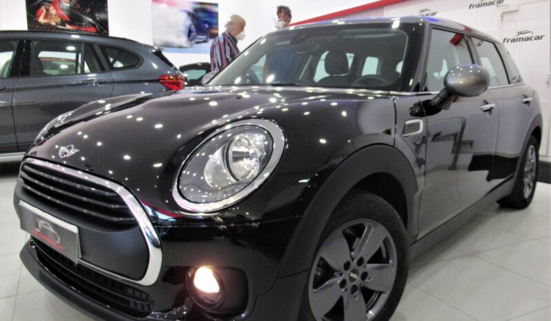 Mini Clubman One D 116cv Silver line!! Nav, active guard, llanta revolite spoke!! Impecable estado!!
