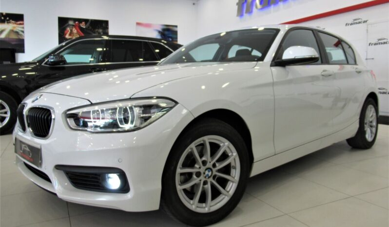 Bmw 116d 5 puertas efficients 116cv, faros full led, navegación, sensores de aparcamiento, Impecable estado
